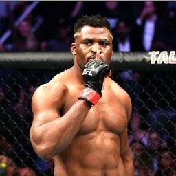 Francis Ngannou nocauteia Cain Velasquez em 26 segundos no UFC Phoenix