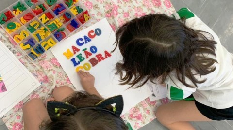 Como os pais podem contribuir na alfabetização dos filhos