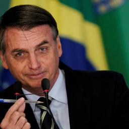 Brasil cria 129 mil vagas de emprego com carteira assinada no melhor mês de abril dos últimos anos.