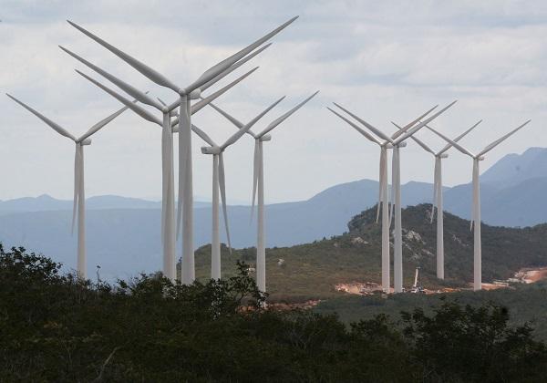 Grupo-chin%C3%AAs-confirma-investimento-de-R-1-bi-em-energia-renov%C3%A1vel-na-Bahia Grupo chinês confirma investimento de R$ 1 bi em energia renovável na Bahia