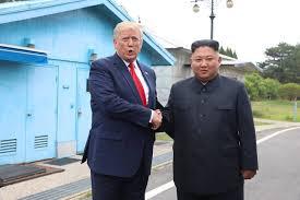 Trump-se-torna-o-1%C2%BA-presidente-dos-EUA-a-pisar-em-solo-norte-coreano Trump se torna o 1º presidente dos EUA a pisar em solo norte-coreano