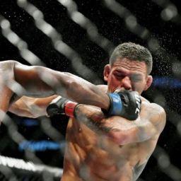 Rafael dos Anjos é dominado no octógono e se distancia do cinturão do UFC