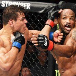 """Paulo Borrachinha vence """"guerra"""" contra Yoel Romero no UFC 241 e pede luta pelo cinturão"""