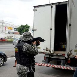 Policiais dizem que trecho da BR-101 no Rio tem recorde de roubos