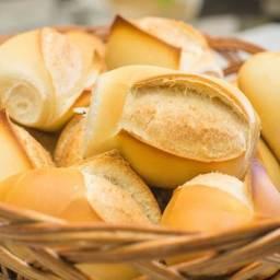Padaria indenizará consumidora que encontrou esparadrapo em pão