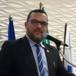 Vereador Fábio de Raquel agradece apoio recebido nas redes sociais após alta do hospital