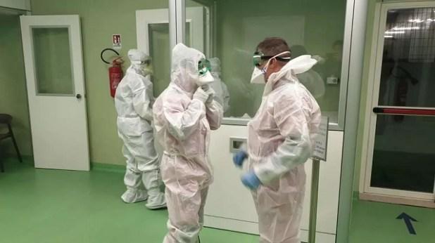 Coronav%C3%ADrus-tem-um-caso-confirmado-no-Brasil-e-20-em-investiga%C3%A7%C3%A3o Coronavírus tem um caso confirmado no Brasil e 20 em investigação