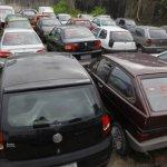 Detran-BA faz leilão de veículos inservíveis para desafogar pátios de delegacias