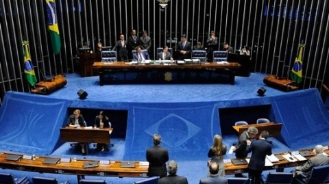 Senado aprova proposta que proíbe despejos na crise da Covid-19