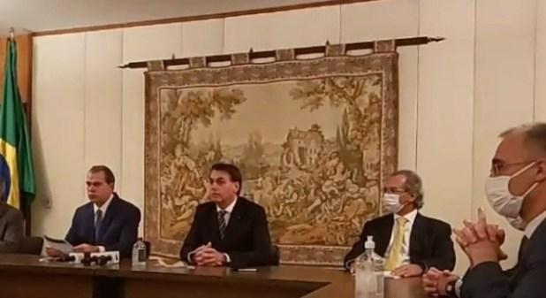 Economia-est%C3%A1-come%C3%A7ando-a-colapsar-afirma-Paulo-Guedes Coronavírus: Economia está começando a colapsar, afirma Paulo Guedes