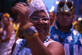Brincantes celebram cultura no Cortejo. Foto: Leandro Cunha