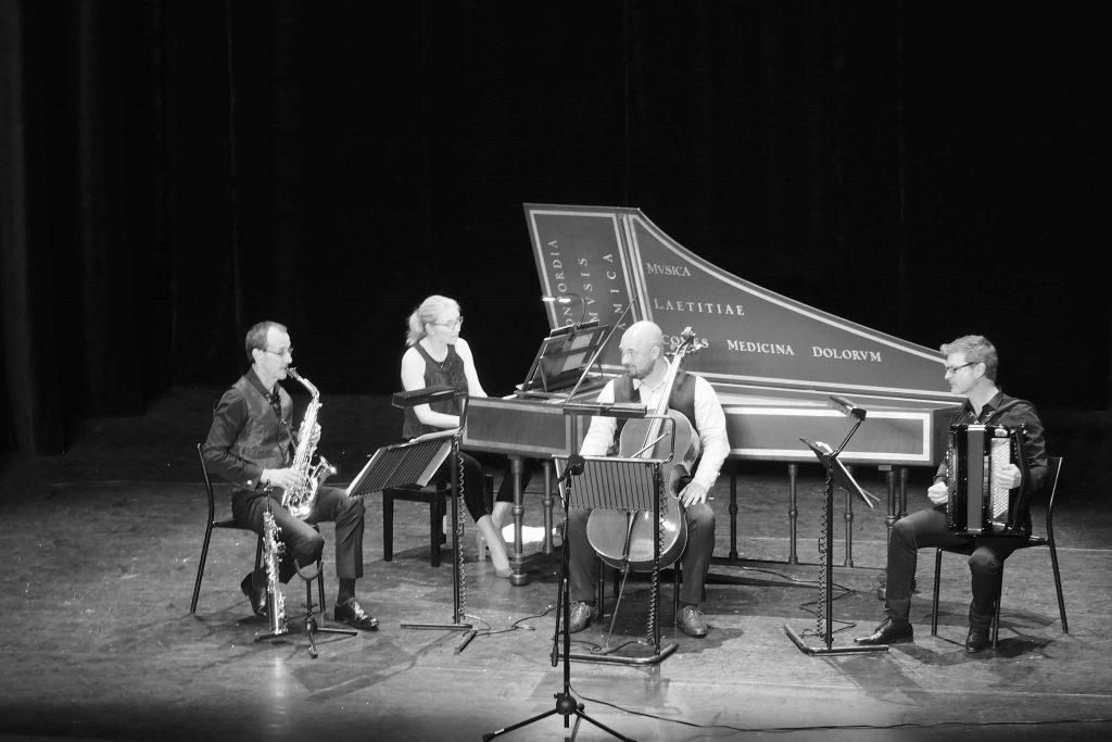 saxophone clavecin violoncelle accordéon