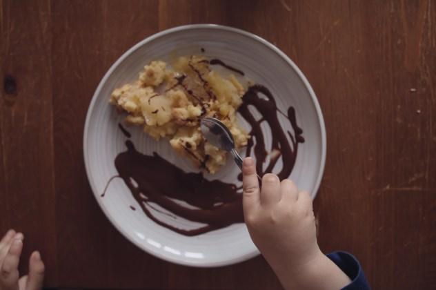 crumble pommes/poires Sauce chocolat
