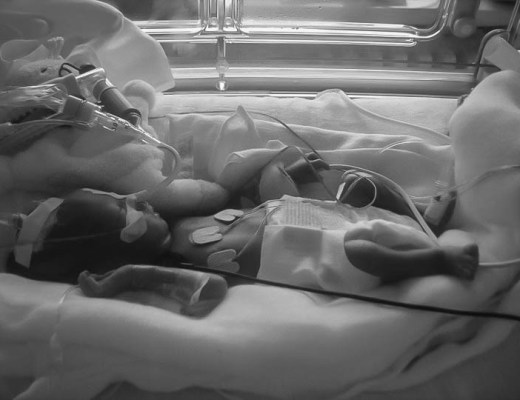 premature-ne-a-4-mois et-demi-de-grossesse