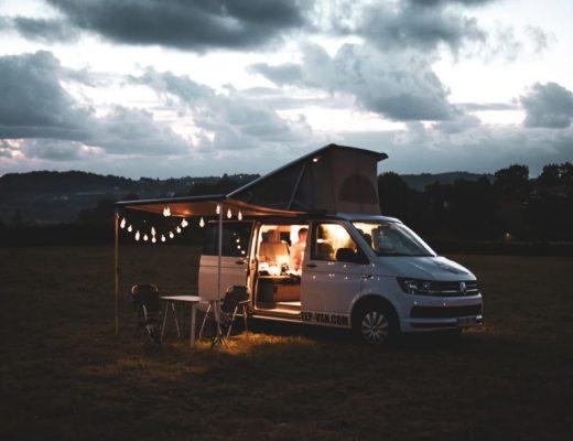 couv road trip en famille blacksheep van
