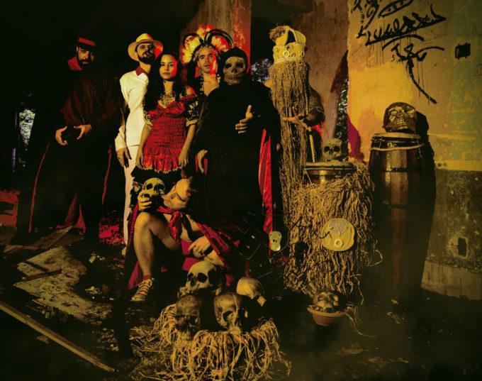 Gangrena Gasosa é: Diego Padilha, Angelo Arede, Ge Vasconcelos, Heitor Peralles, Minoru Murakami, Jorge Allen e Renzo Borges (Foto: Felipe Diniz)