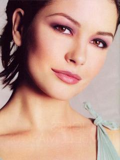 有名女優キャサリン・ゼタ=ジョーンズ(Catherine Zeta-Jones)のセクシーショット!