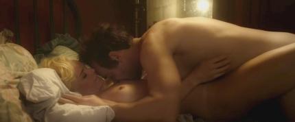 『ブルークラッシュ』で有名女優になったケイト・ボスワース(Kate Bosworth)のヌードシーン!