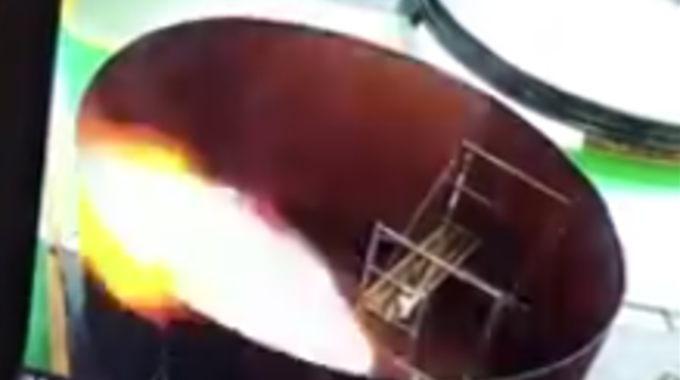 空のガスタンクなのに炎が上がって焼かれた清掃員。