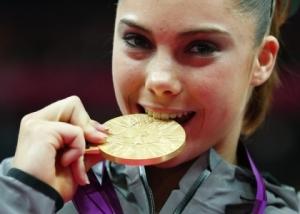 アメリカの元体操選手でオリンピック金メダリストである「マッケイラ・マロニー(McKayla Maroney)」のスケベなエロ画像が流出しちゃったみたいです。
