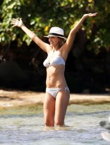 パパラッチが盗撮したジェシカ・マリー・アルバ(Jessica Marie Alba)のセクシーな水着姿をご覧下さいwww