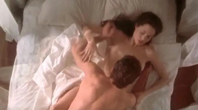 アンジェリーナ・ジョリーのポアゾン(原題 :Original Sin)で魅せたエロ過ぎるセックスシーンをご覧下さい。