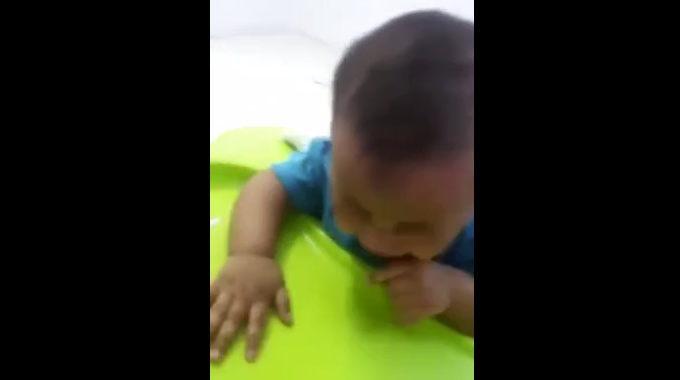 あ~腹立つ! こんなに可愛い赤ちゃんを殴る叩く床にたたきつける首を絞めるなんて悪魔か!!!