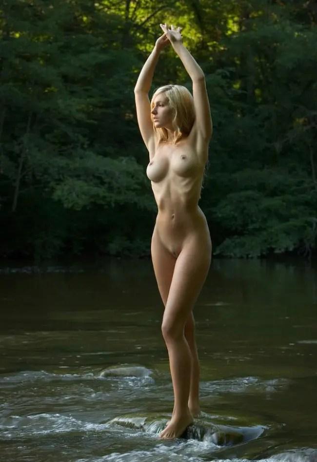 今日のエロ画像は白人女性のエロ画像です。
