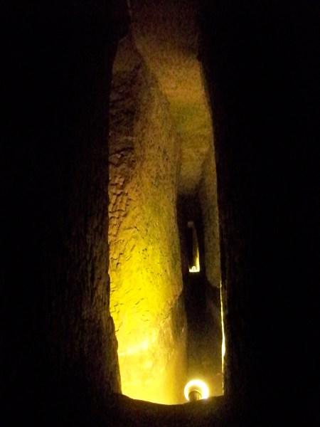 Dry aquaduct