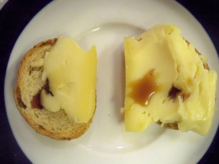 Cheese,vinegar, bread
