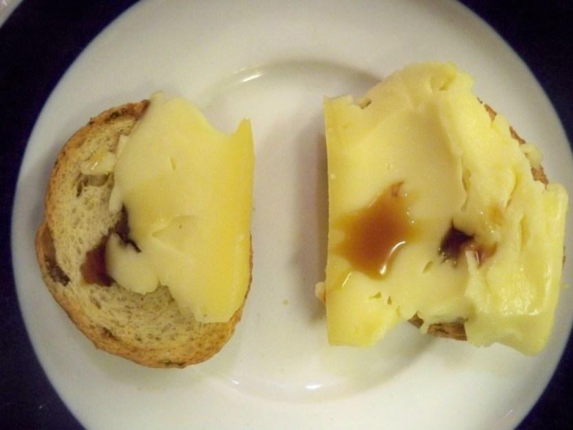 Cheese,vinegar, bread