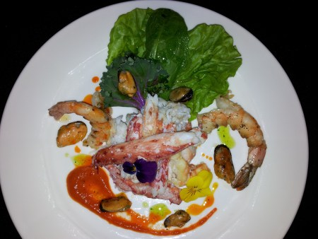 Crab with mussels and prawns