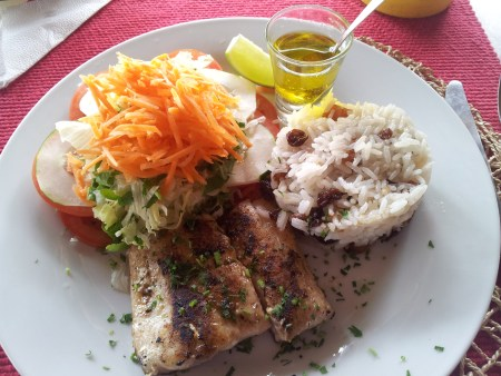 Grilled fish with raisin rice