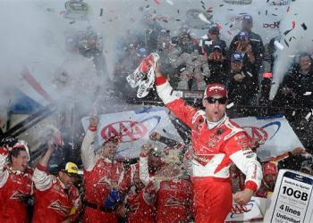 Back against the wall, no other alternative, Kevin Harvick delivers and makes the Contender Round.