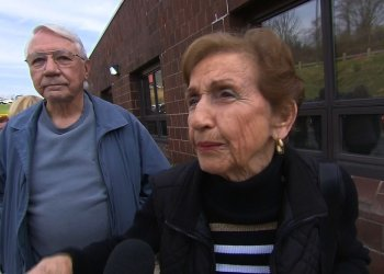 In Washington County, just south of Pittsburgh, Pennsylvania an elderly couple has agreed on a lot of things during their 37-year marriage. The wife, Jackis Krachala is supporting Donald Trump and the husband Bill is voting for Hillary Clinton.