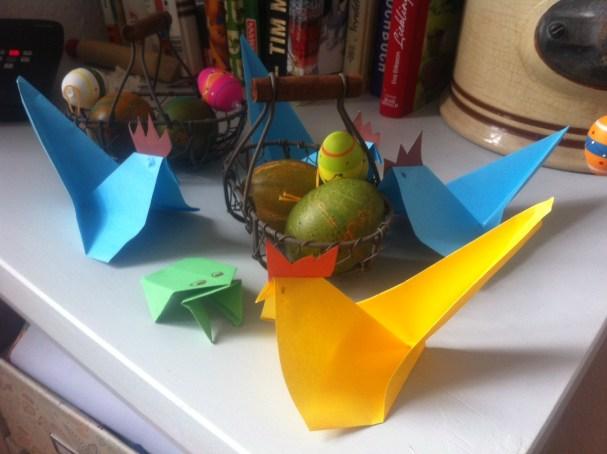 Osterdeko, Ostereier, Origami-Hühner, Basteln mit Kindern