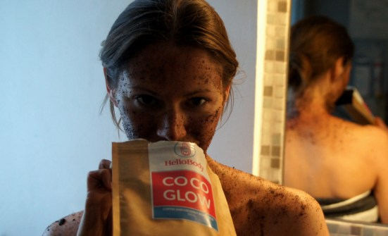 HelloBody CoCo Glow Body Scrub