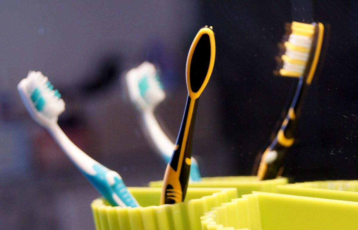 Zahnbürsten