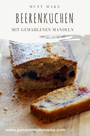 Schnelles Rezept für Beerenkuchen mit gemahlenen Mandeln. Dieser Kuchen mit gemischten Beeren wie Blaubeeren oder Himbeeren ist ruckzuck zu backen und schmeckt auch Kindern!