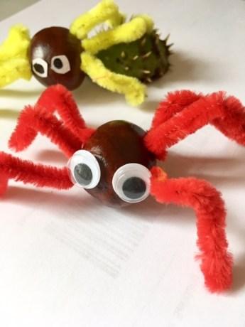 Herbst Basteln Mit Kastanien Lustige Spinnen Auch Fur Halloween Ganz Normale Mama