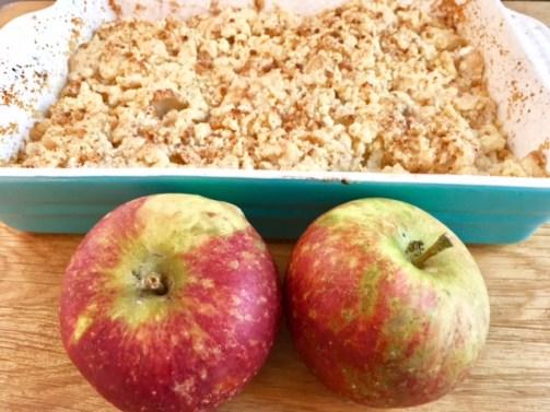 REzept für einen schwedischen Apple Crumble: Ein Apfelkuchen mit Krümelteig