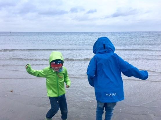 Funktionskleidung für Kinder von Isbjörn of Sweden im Praxistest