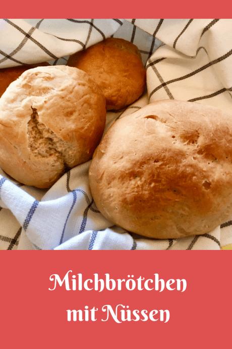 Rezept für schwedische Milchbrötchen mit Nüssen - Brötchen aus Schweden mit Hefeteig, Walnüssen und Milch, schnell zu backen zum Kaffee oder zur Fika oder zum Frühstück