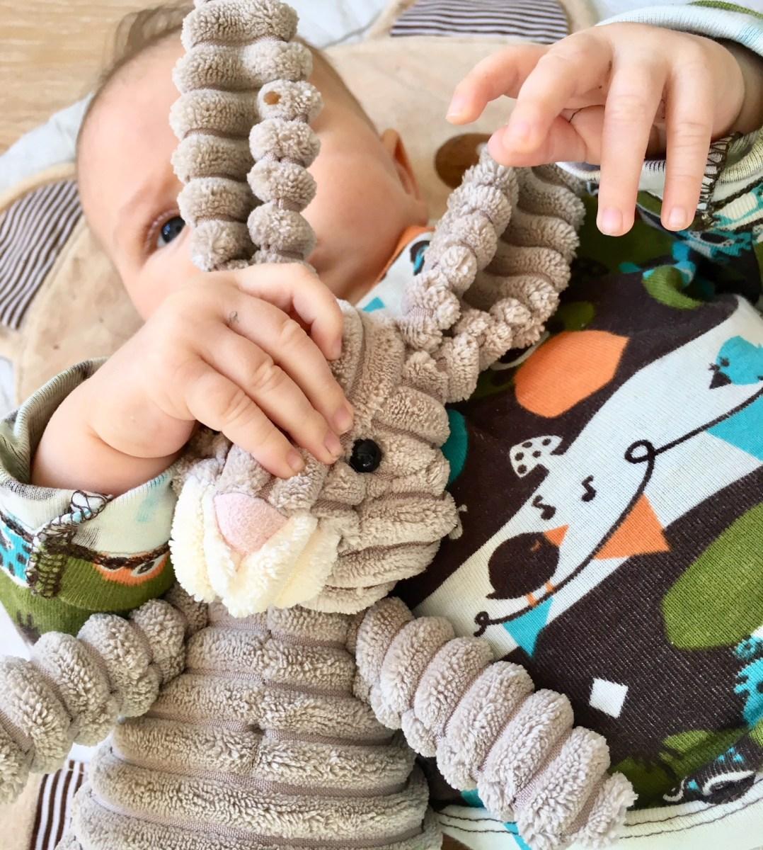 Drei Monate dreifach Mutter: Wie sich das Leben mit drei Kindern verändert.