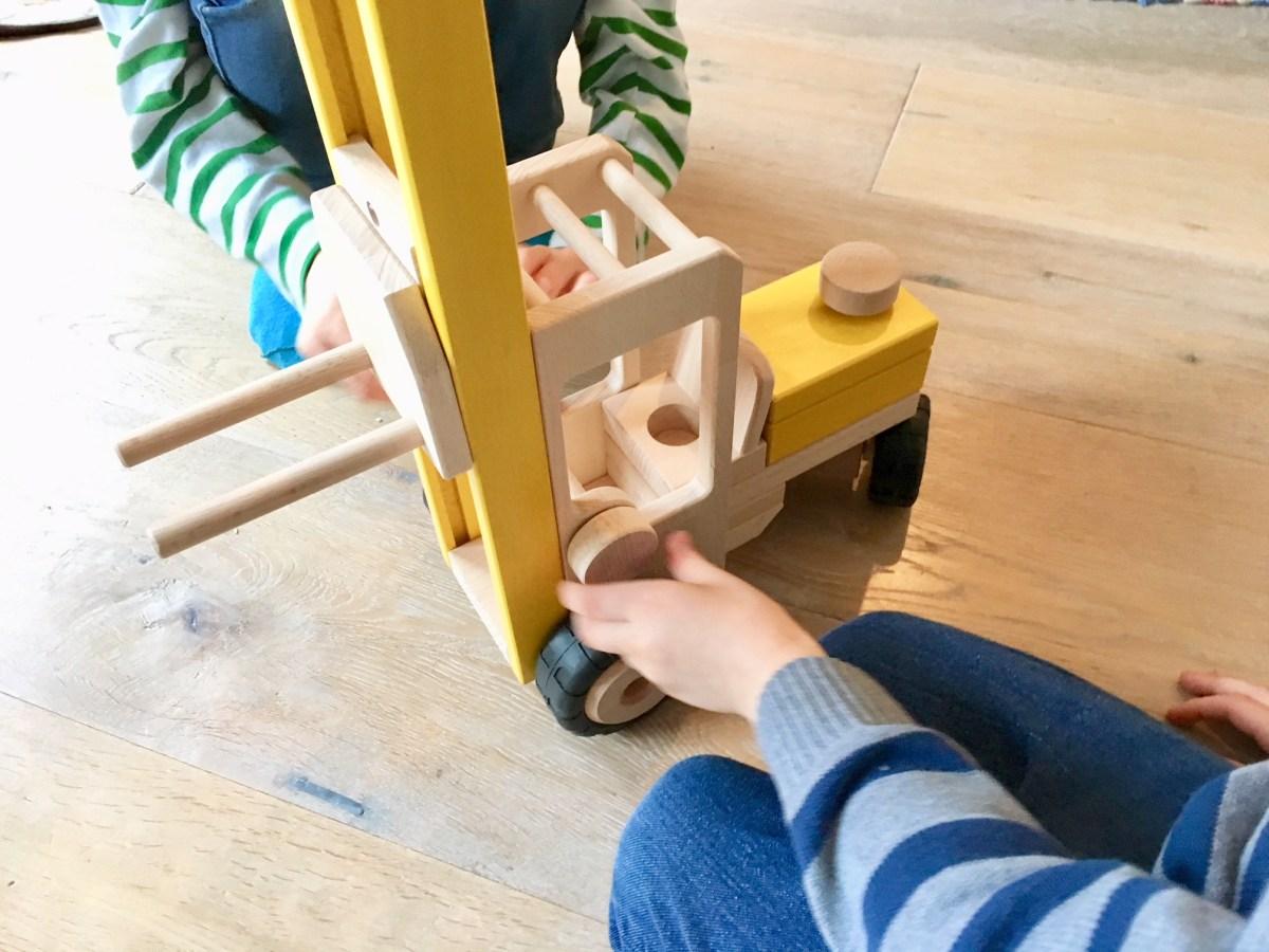 Holzspielzeug fürs Kinderzimmer im BioKinder Onlineshop