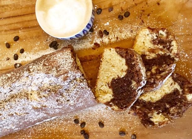 Marmorkuchen: Ein Kuchenklassiker neu interpretiert mit Nussnougatcreme verfeinert. Macht den Kuchen besonders saftig. Toll für Kindergeburtstag oder Nachmittagskaffee oder die Fika.