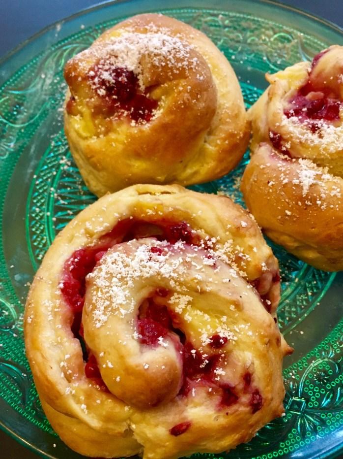 Rezept für puddingschnecken mit Beeren - süße hefeteigteilchen
