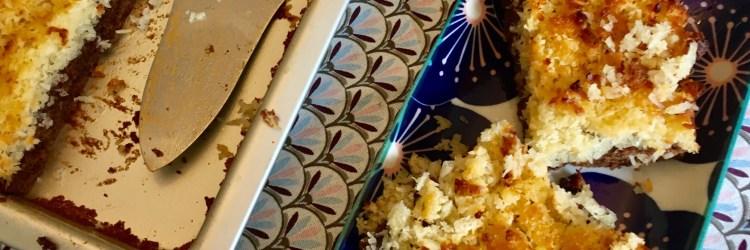 Rezept für schokokuchen vom Blech mit karamellisierten kokos - schnell zu backen, Variante vom schwedischen toscakuchen