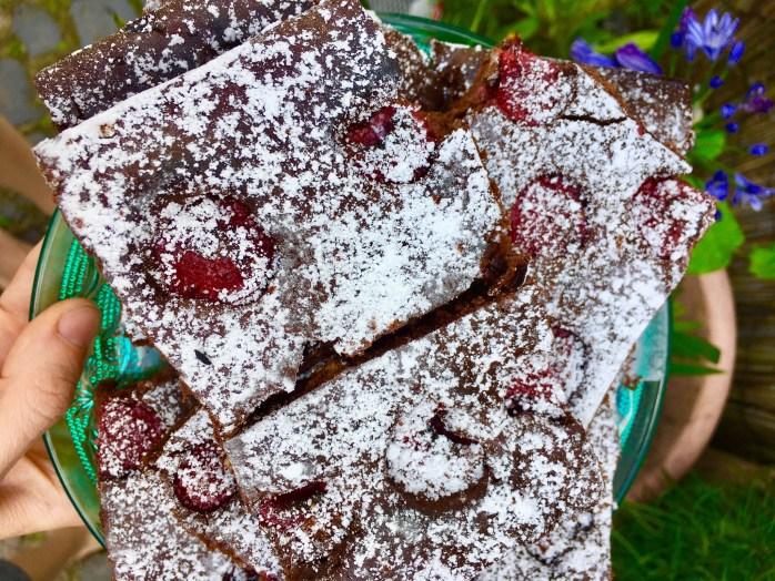 Rezept für Himbeeren schokoladenkuchrn vom Blech