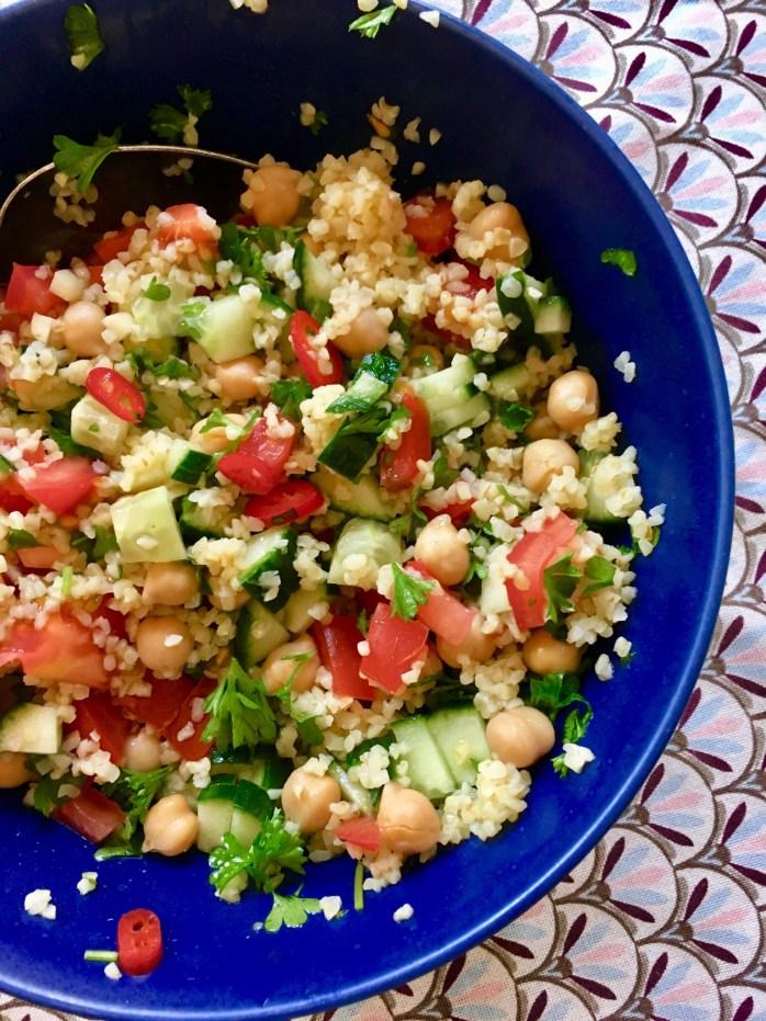Leichte sommersalate fünf schnelle Rezepte - für Buffet Grillen oder als Hauptgericht - tabouleh, bauernsalat, Wassermelone, brotsalat